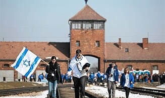 In Holocaust 'America and US Jews Did Nothing'