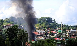 Watch: Philippine Air Force bombing run against ISIS in Marawi