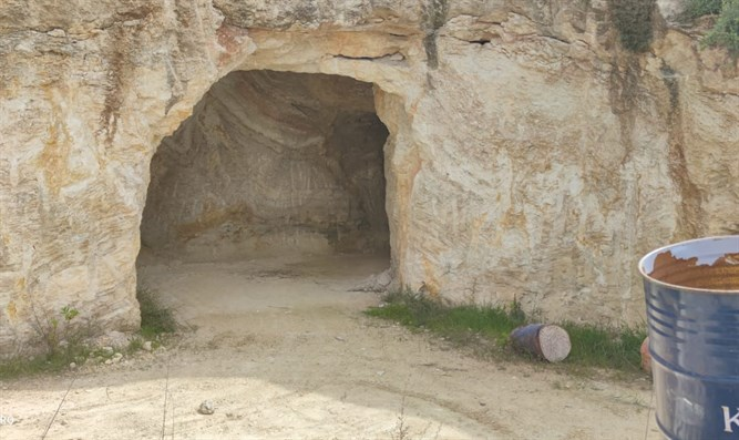 the entrance to the tunnel