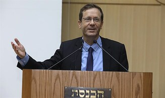 Surprise guest at Gush Katif expellees conference