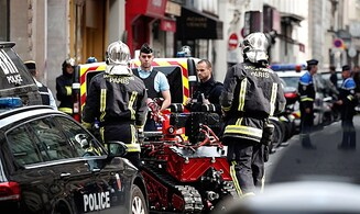 Hostage situation in Paris