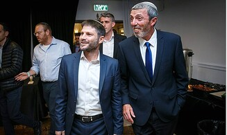 Smotrich called on Peretz to fire senior aide, Peretz refused