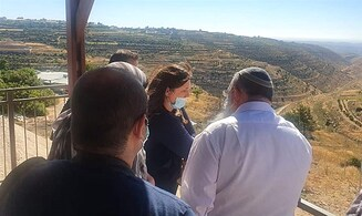 Tzipi Hotovely: 'Gush Etzion safeguards Jerusalem, Karmei Tzur is in a strategic location'