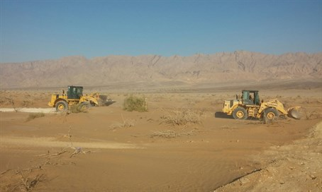 Work on Arava fence