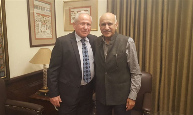 Dichter meets with Indian Dep. Foreign Minister Akbar