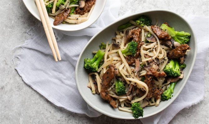 Pepper Steak with Hearts of Palm Spaghetti Stir-Fry (Gluten Free)